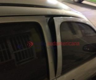 foto: Intentaban abrir un auto estacionado y fueron detenidos