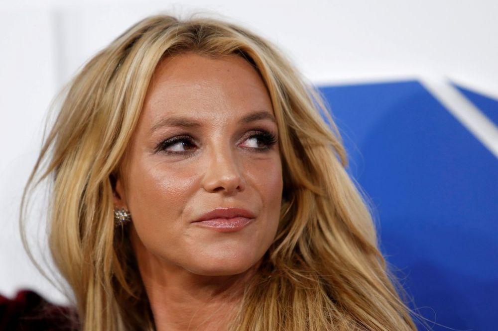 El padre de Britney Spears declaró demente a su hija para controlar sus finanzas