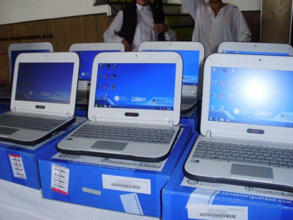 El Gobierno nacional entregará notebooks para chicos y docentes