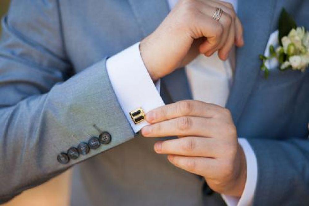 Tiffany lanzó el primer anillo de compromiso para hombres