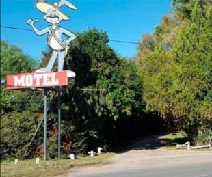 ¿Qué sanción tendrá el dueño del motel donde se realizaban orgias?