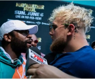 foto: Mayweather se trenzó a golpes con el youtuber Jake Paul