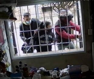foto: Córdoba: asalto a mano armada a estudiantes que entraban a clases