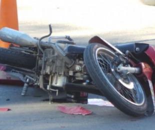foto: Tragedia: un motociclista murió al chocar contra una palmera