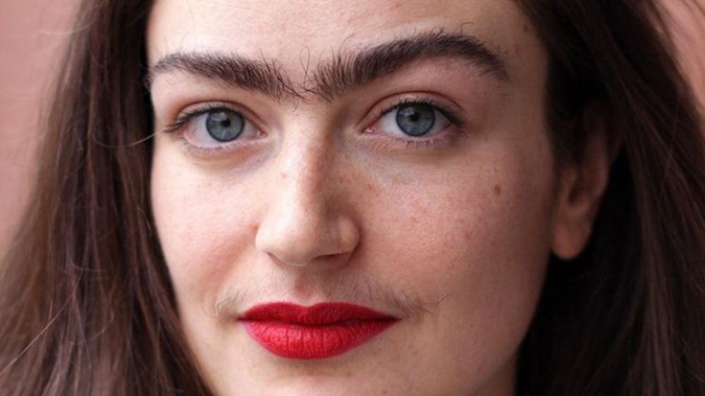 Pasó un año sin depilarse y mostró los resultados en Instagram