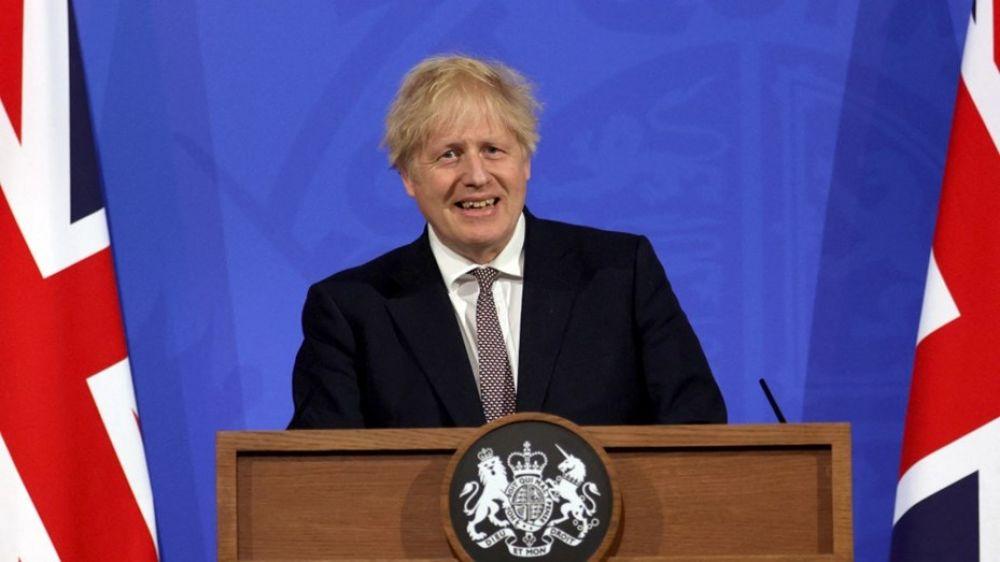 Reino Unido vuelve a abrir bares, restaurantes, museos y cines