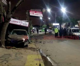Video: Así habría sido el choque de un auto contra una hamburguesería