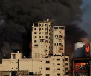 foto: El ejército israelí derrumbó un edificio de catorce plantas en Gaza