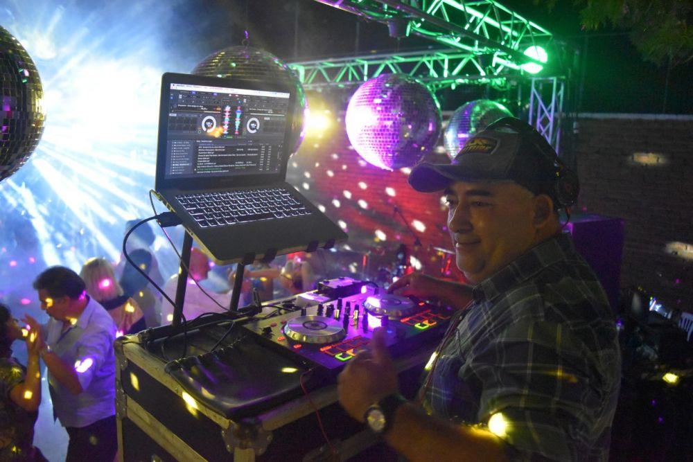 Sentida despedida a conocido DJ que murió por coronavirus