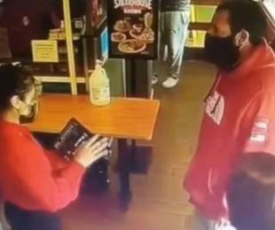foto: Así fue el reencuentro entre Adam Sandler y la camarera que no lo reconoció