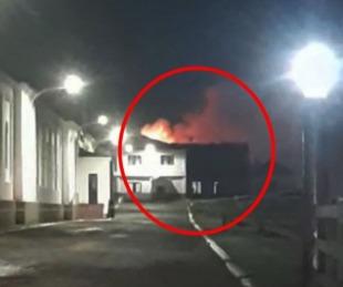 foto: Ushuaia: feroz incendio en una Base Naval de la Armada