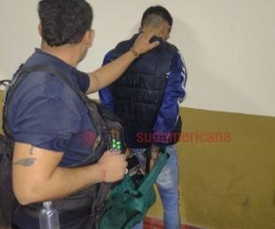 foto: Fue detenido cuando intentaba forzar la puerta de un auto