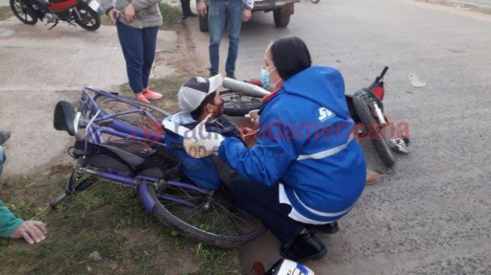Motociclista colisionó a ciclistas: habría estado alcoholizado
