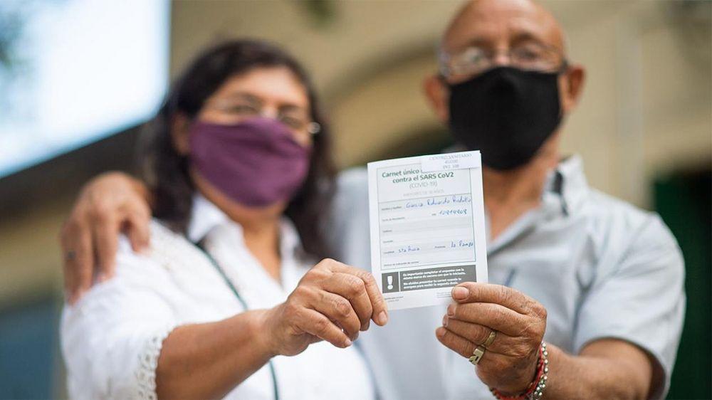 Se aplicaron casi 377 mil dosis en un día en todo el país