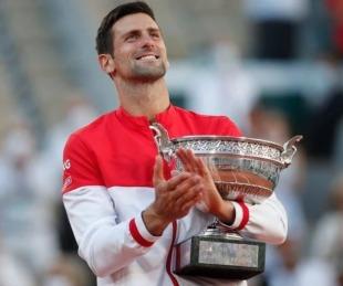 foto: Novak Djokovic venció a Tsitsipas y salió campeón de Roland Garros