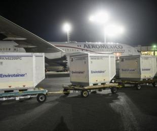 foto: Vacunas: arribaron al país 811.000 Astrazeneca desde México