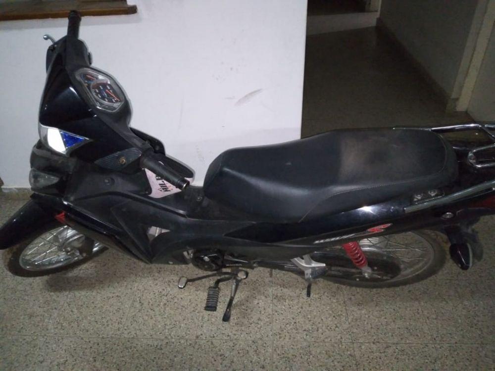 Recuperaron una motocicleta que minutos antes fue robada