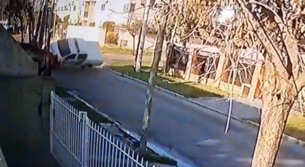 VIDEO: Impresionante vuelco de un patrullero en Buenos Aires