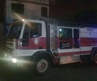 foto: Se incendió una casa y dos chicos fueron llevados al Pediátrico