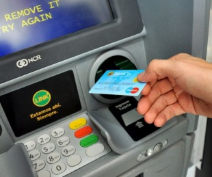 foto: Inició el cronograma de pago del medio aguinaldo para estatales