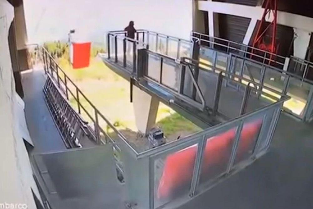 El video que muestra cómo fue la impactante caída de teleférico en Italia