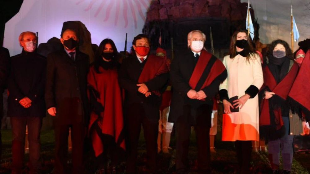 Cacerolazos y bocinazos en Salta por la llegada de Alberto Fernández