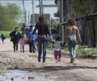 foto: Una familia necesitó $64.445,01 en mayo para no caer en la pobreza