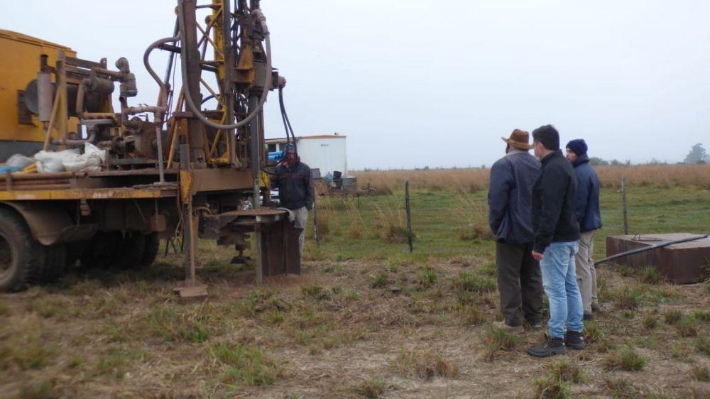 Obra de instalación de radares: se comenzó con la perforación de agua