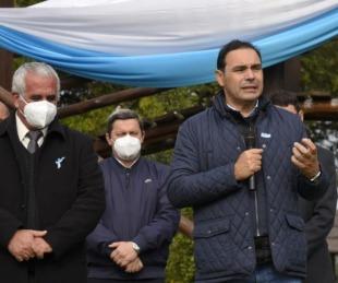 foto: Valdés entregó herramientas a emprendedores y viviendas sociales