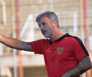 foto: Alfredo Grelak dejó de ser el director técnico de Boca Unidos