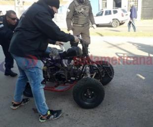 foto: Allanaron un taller y encontraron motos y otros elementos
