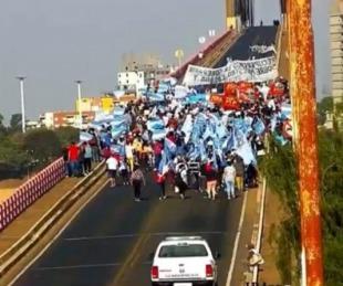 foto: Así fue el gran banderazo en el puente General Belgrano