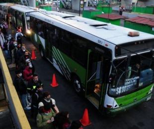 foto: Bolivia: 34 personas murieron tras despiste y vuelco de un colectivo