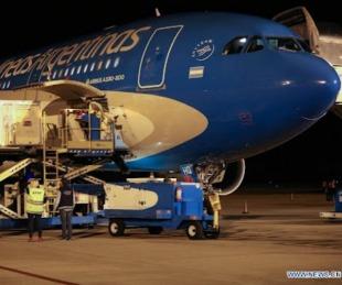 foto: Llegó un vuelo de Aerolíneas con 768.000 dosis de Sinopharm