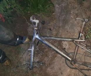 foto: El llanto de un niño por perder su bicicleta en medio de un incendio