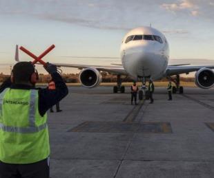 foto: Llegó al país  un vuelo con más de 800 mil dosis de AstraZeneca