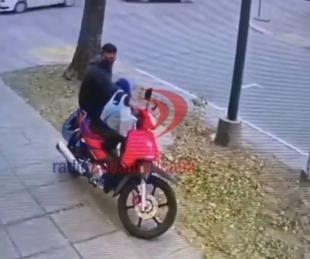 foto: Experto en robos: en segundos se llevó una moto estacionada
