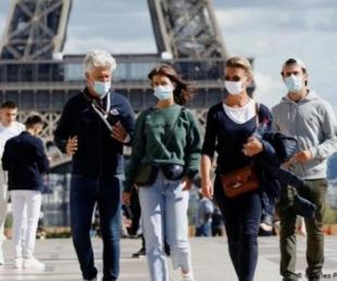 foto: Francia analiza en despedir a un trabajador si no se vacuna