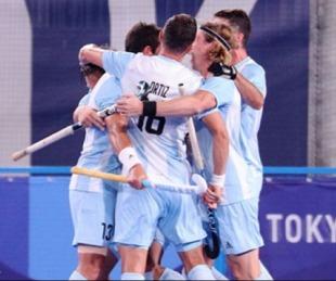 foto: Los Leones a cuartos: gran triunfo del hockey masculino
