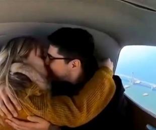 foto: Amor en el aire: Volando sobre Corrientes, le propuso casamiento