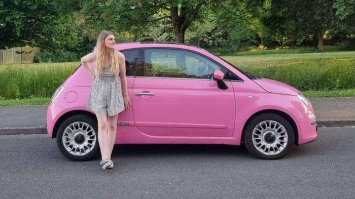Transformó un Fiat 500 en una pequeña casa rodante y quedó genial