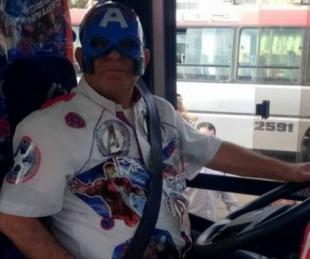 foto: Falleció el chofer que se vestía de superhéroe para alegrar a los niños