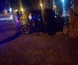 foto: Chaco: perdió el control de su auto y se incrustó contra una casa