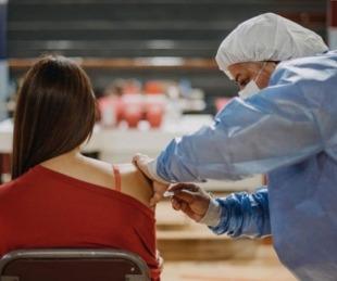 foto: Otorgarán turnos para vacunación para personas mayores de 18