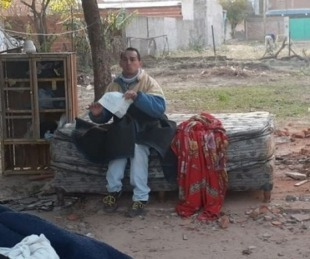 foto: Desalojo del joven discapacitado: