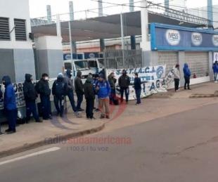 foto: Manifestación de trabajadores de Ivess por deuda salarial