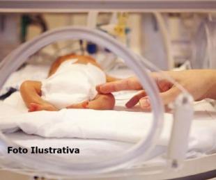 foto: Tras el pedido de una madre un traumatólogo atendió a su bebé