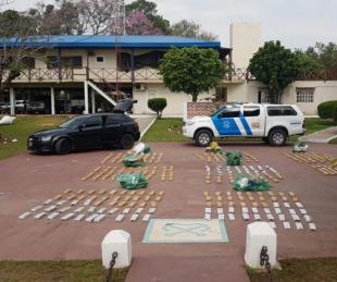 foto: Paso de la Patria: hallan casi 300 kilos de droga en auto abandonado