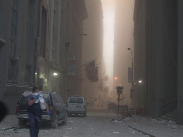 Impacto, fuego,  desesperación  y colapso: a 20 años del ataque