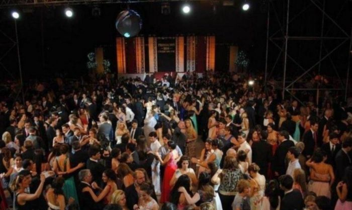 Cena de egresados, recepciones, corsos: ¿Qué pasará en Corrientes?
